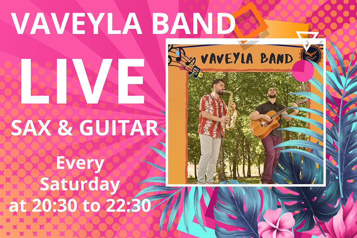 Vaveyla band live saxaphone and guitar at Paradise beach Oludeniz
